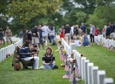 Visitors-Arlington-National-Cemetery-Virginia-Memorial-Day-weekend-2018.jpg